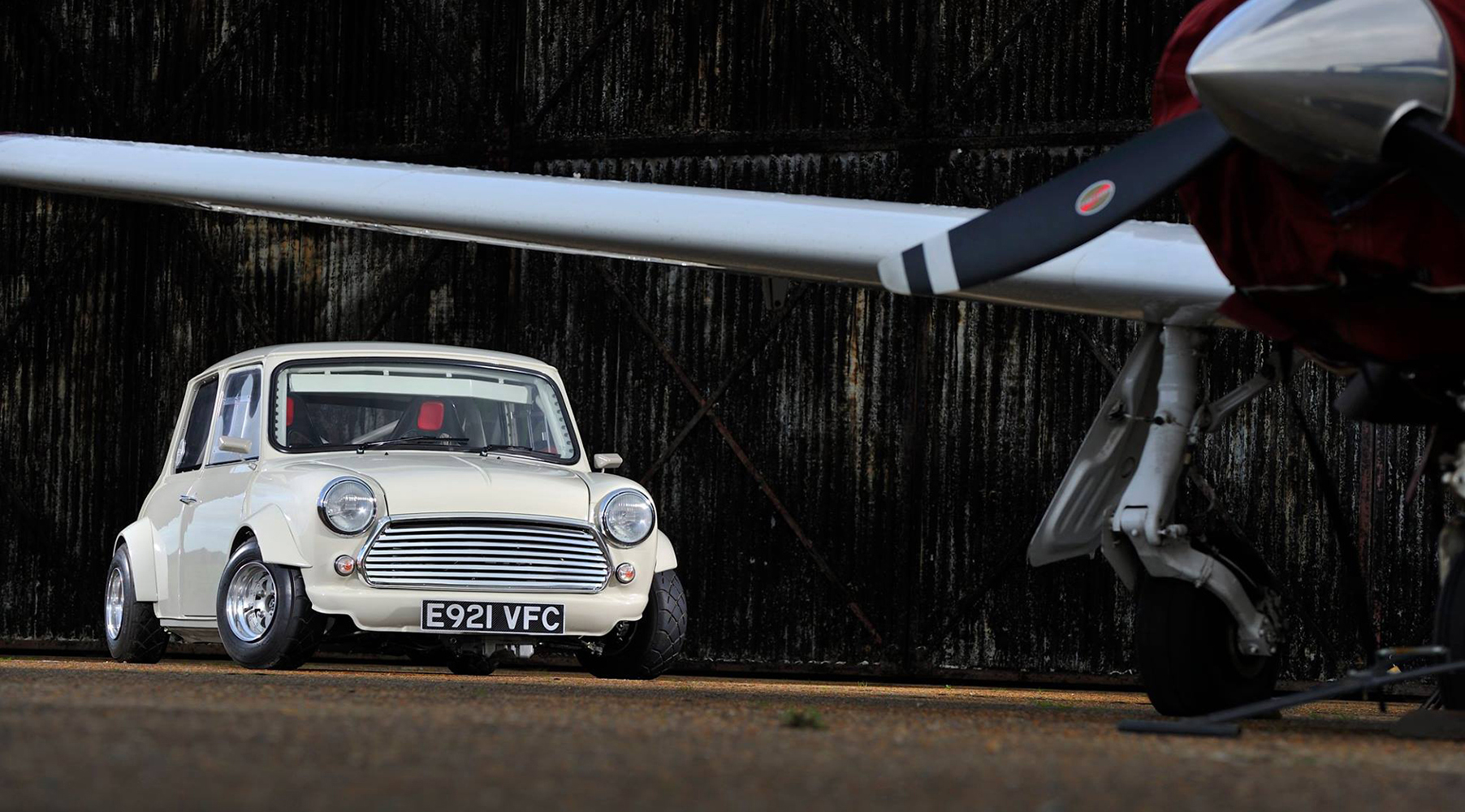 Alan Carruthers' Amazing bike engined mini